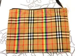 Burberry  Vintage Rainbow Check Pouch  (big size)