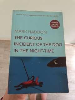 🚚 The curious incident of the dog in the night time book #Carouween40