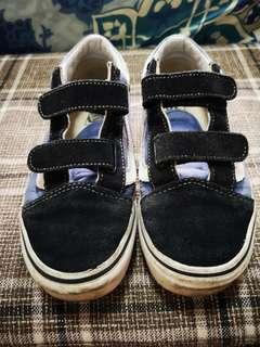Vans shoes for kids size 4y