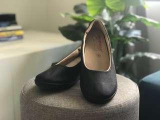 Medshoe Medical Health Footwear Size 4