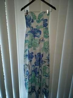BRAND NEW Miss Holly Maxi dress