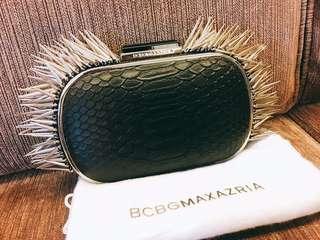 BCBG MAXAZRIA 金屬釘手拿包