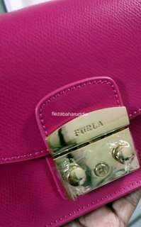 Beware of Fake Furla Metropolis
