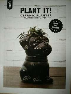 Pug ceramic planter TYPO