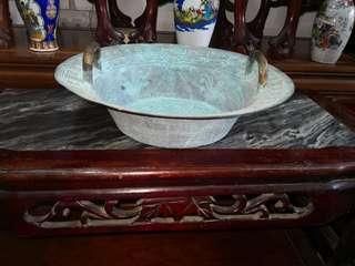 聚寶銅盆一件