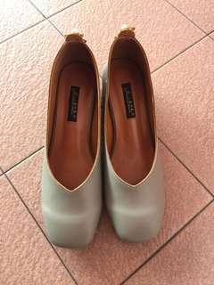 Grey low heel