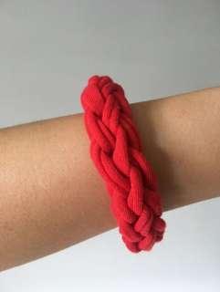 🚚 Handmade fabric bracelet - red