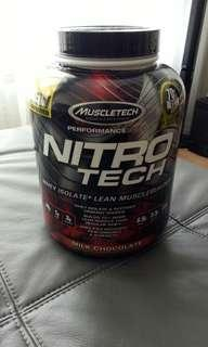 Nitrotech whey isolate + lean muscle builder protein shake