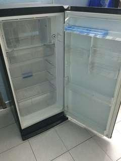 Fridge / Freezer / Peti Sejuk