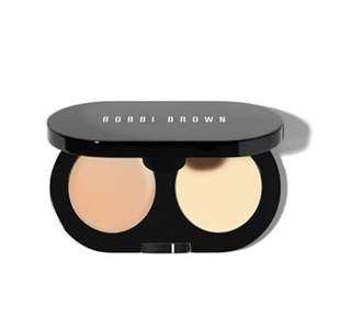Bobbi Brown Creamy Concealer Kit in Sand / Pale Yellow