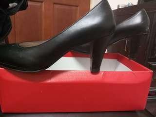 Beso 上班黑高跟鞋 22.5-23