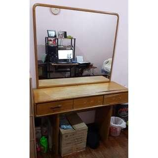 (SOLD) UGENTLY FOR SALE !!!! Dressing Table