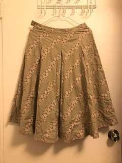 淺草綠色花花半截傘裙