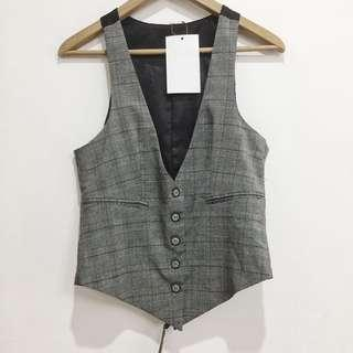 Tailored checkered vest