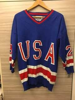 🚚 USA酷酷藍紅撞色毛衣