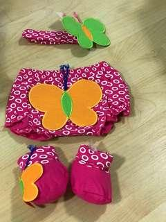 Baby's pants and socks and hairband set