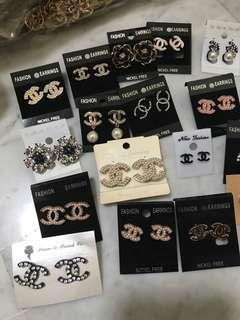 🚚 Mix & match earring 2 for $10!!! Plus 1 free!!!