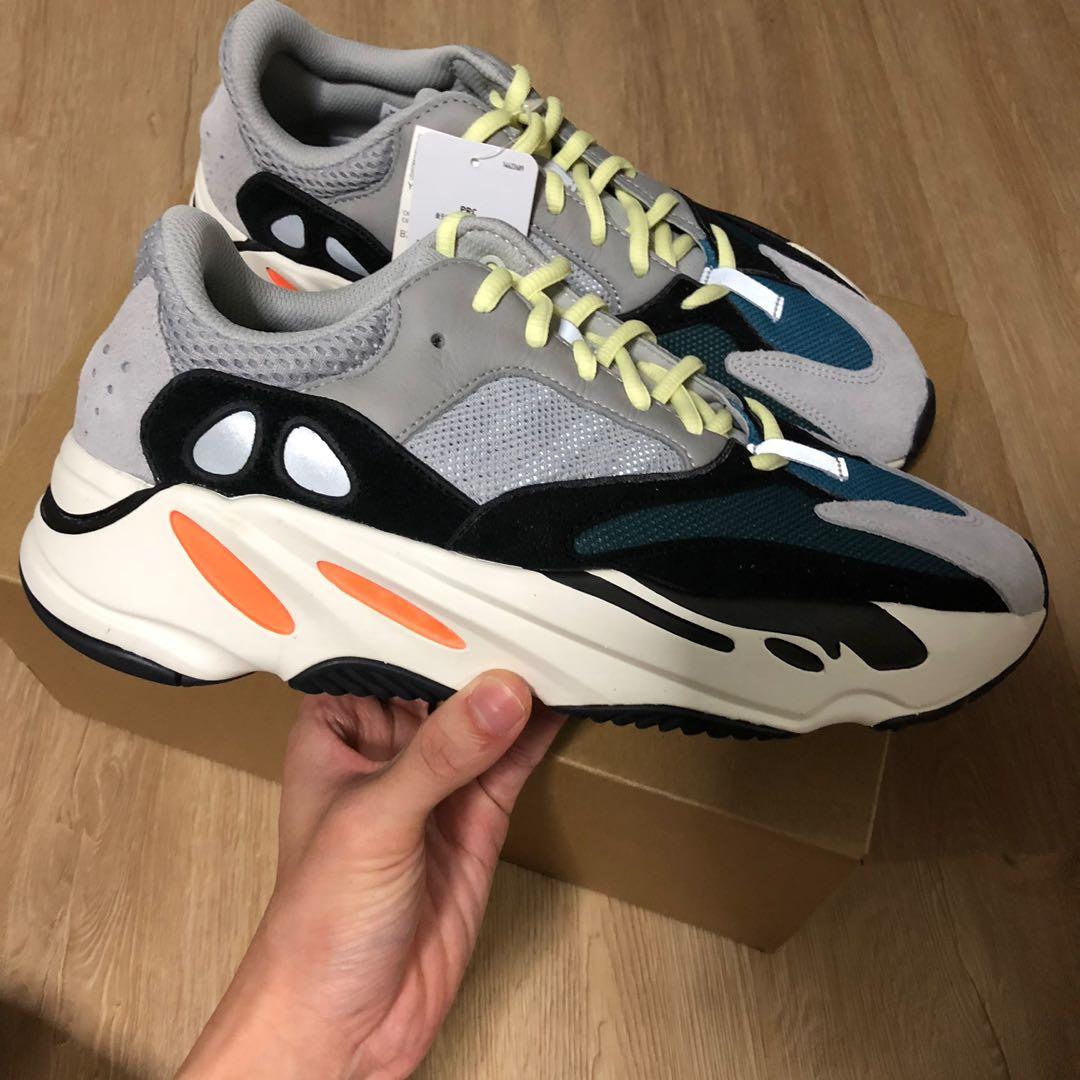 8ab6dada84540 Adidas Yeezy 700 Wave Runner OG
