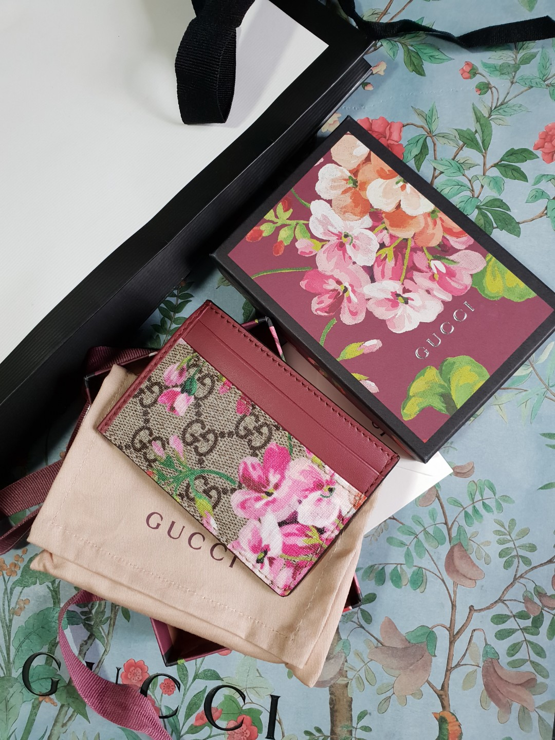 2f929aef544f32 Auth Gucci blossom card holder pink, Luxury, Accessories, Others on ...