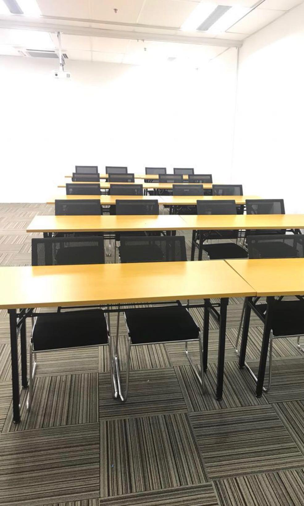 Picture of: Classroom Tables Chairs Furniture Tables Chairs On Carousell