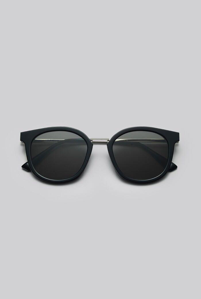 6c4e5241833 Home · Women s Fashion · Accessories · Eyewear   Sunglasses. photo photo  photo photo
