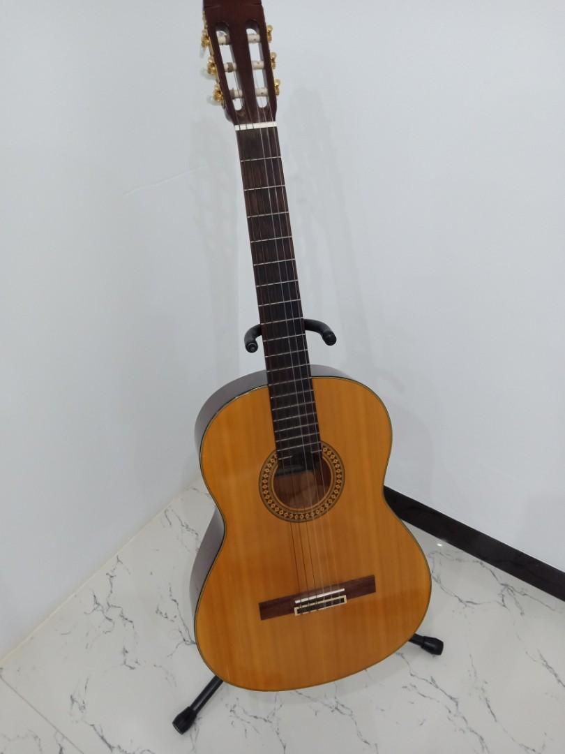 Gitar Yamaha Acoustic Guitar C390 (jual cepat), Music