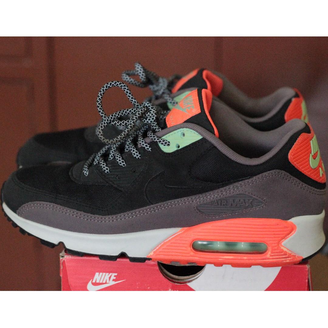 5f11e43008 Nike Air Max 90 Essential Black-Hyper-Crimson, Men's Fashion, Footwear,  Sneakers on Carousell