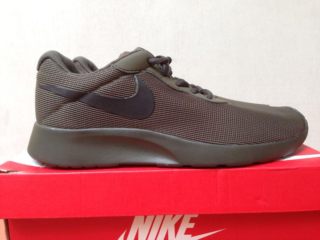 Nike Tanjun army green, Fesyen Pria