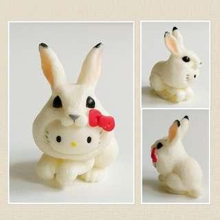 Hello Kitty x 大白兔 Collectible