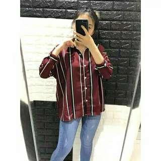 Kemeja crepe stripe wanita maroon