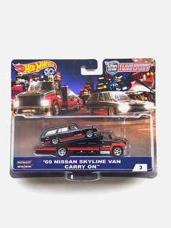 Hot Wheels Team Transport '69 Nissan Skyline Van Carry On