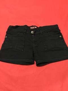 Black hotpant