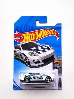 Hot Wheels Porsche Panamera police car