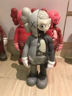 🚚 KAWS COMPANION Flayed Medicom Toy 半剖公仔