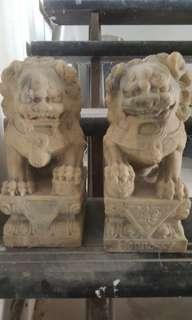 Preloved vintage Chinese  marble lion statues (set of 2)