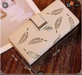 Bifold Leather Leaf Wallet