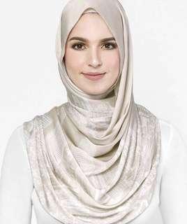 KL Duckscarves in Cream