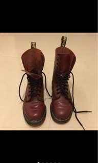 🚚 馬丁10孔酒紅長靴