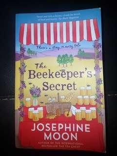 FREE POSTAGE The Beekeepers Secret