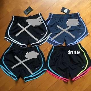 特價 Nike Sports Shorts 女裝 運動短褲 跑褲