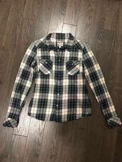 Aritzia TNA plaid Banff shirt in EUC, size XS or XXS