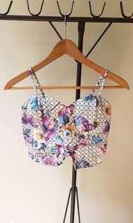 🚚 Floral Crop Top