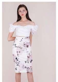 5e3aa28c7d The Tinsel Rack TTR Marco Pencil Skirt (White Florals)