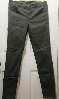 [Pre-loved] H&M Dark Green Skinny Jeans