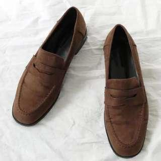 [PRICE REDUCED] Suede Shoes in dark brown
