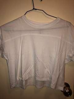 h&m white crop tee
