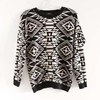 Forever 21 tribal Aztec print beige black sweater S small