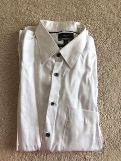 G200 white sweatshirt black button