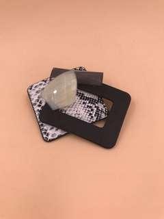 Fashion Brooch With Gift Box 時尚胸針連禮盒