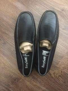 Easysoft black loafers (CHEAP OFFICE SHOES)